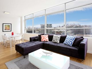 Gadigal Groove - 3BR Zetland apartment with Views