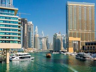 1BR With Rooftop Pool, Dubai Marina