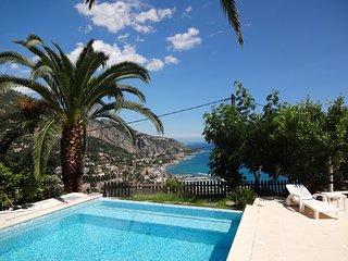 Villa entière 3*, 4 pers, 125m², piscine, vue 360° sur mer et montagne
