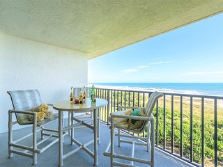 Top Floor Oceanfront Condo - Gorgeous View of Beach!