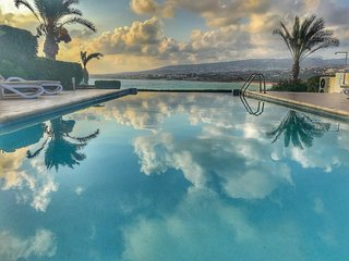 'INFINITY VILLA'  Sleeps 8,  Infinity Pool, Hot Tub with panoramic sea views.