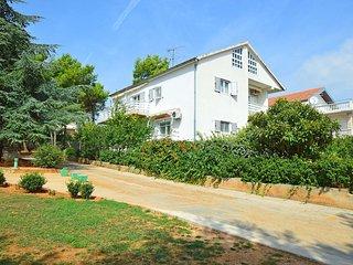 1 bedroom Apartment in Vodice, Šibensko-Kninska Županija, Croatia : ref 5552858