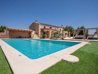 Turoredo - Tolles Haus mit Pool bei Petra