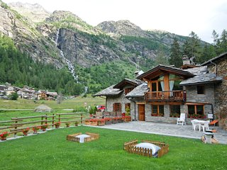 2 bedroom Apartment in Planaval, Aosta Valley, Italy : ref 5553097