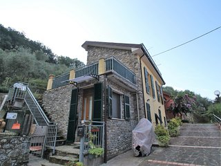 1 bedroom Apartment in Camposoprano, Liguria, Italy : ref 5525226