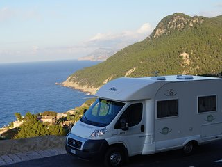 HIRE A CAMPER VAN IN MALLORCA FOR UP TO 4 PERSONS,impeccable, only 16.000 Km