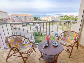 2 bedroom Apartment in Port Camargue, Occitania, France : ref 5513831