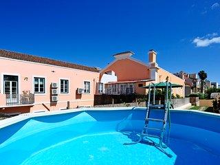 Oeiras 4 - beach 2BR, 15 min from Cascais and Lisbon