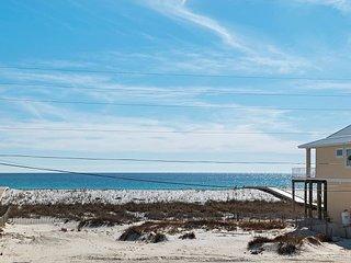 7456 Gulf Blvd - Parrot-Eyes Cove