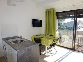 1 bedroom Apartment in Aigues-Mortes, Occitania, France : ref 5541533