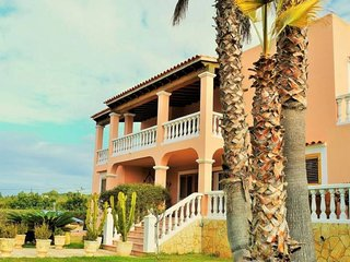 5 bedroom Villa with Pool and WiFi - 5691624