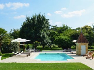 Luxury 7 bedroom country home with private pool near Saint Emilion