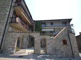 2 bedroom Apartment in Gardola, Lombardy, Italy - 5517027