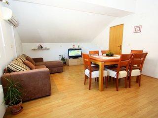 2 bedroom Apartment in Korcula, Dubrovacko-Neretvanska Zupanija, Croatia : ref 5