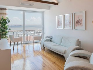 Modern Comfort with a View in Alfama