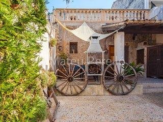 Canostra de Maria: Townhouse in rural village