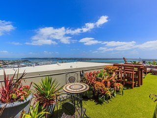 Penthouse with Breathtaking views in the heart of CBD