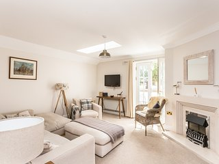An sulaire, luxury 3 bedroom apartment North Berwick