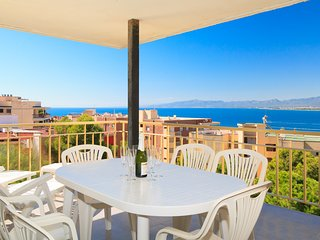 Beautiful apartment in the center of Salou, overlooking the sea