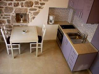 Apartment Cukarin A2 BOL-CENTER, Croatia