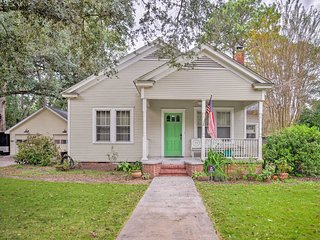 NEW! Beaufort Cottage w/ Yard - 1 Mile to Downtown