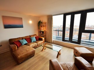 Modern Two Bedroom Penthouse in the Heart of the Devonshire Quarter
