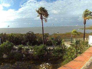 Apartamento en parque natural Bahía de Cádiz a 10 min de playa.Vistas a bahía