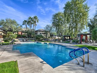 Condo w/Pool & Spa Access: 7.5 Miles to DT Phoenix