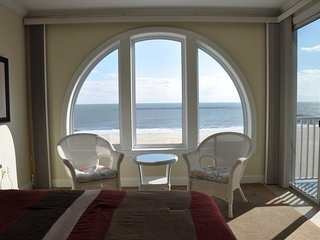 Fabulous Ocean Front Condo on Boardwalk with View of Ocean and Bay BT802