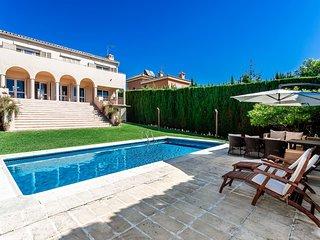 Incredible 5 Bedroom Villa Puerto Banus