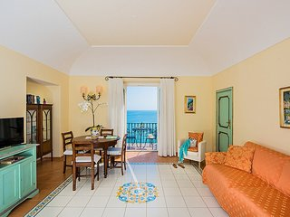 Positano Villa Sleeps 2 with Air Con - 5228608