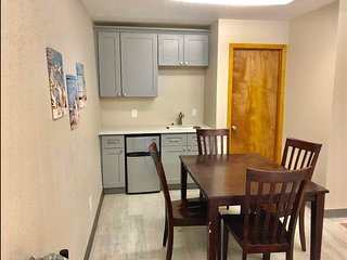 #103A - Studio with 2 Queens, Full Bath, 1/2 kitchen - PET FRIENDLY