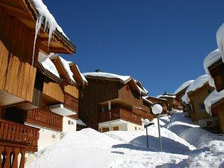 Grand Chalet 8p, départ et retour ski aux pieds