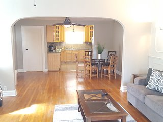 Remodeled 3 bedrooms, 10 min to everywhere