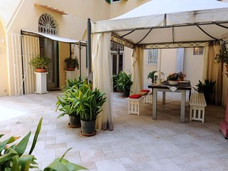 Spacious Artemisia apartment in San Lorenzo with WiFi, integrated air conditioni