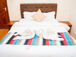 Tastefully furnished 2 bedroom Apartment