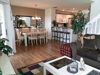 2510SAB. Beautiful 3 Bedroom Town House In Golf Community