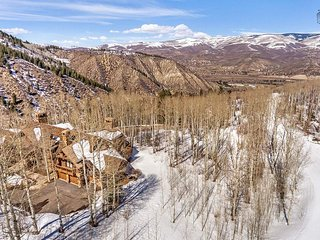Gorgeous estate in Arrowhead, ski-in/ski-out, private hot tub - Cresta Mountain