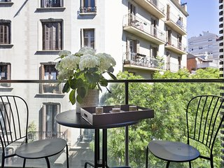 Barcelona Apartment in Sarrià Pedralbes with balcony for 6