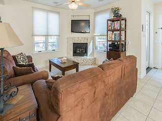 Luxe 2BR Suite, 5-Minute Walk to Beach