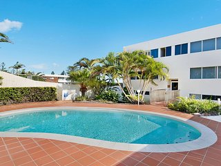 Wickham Point Unit 6 Kings Beach QLD