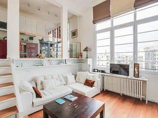 A beautiful flat with view on Eiffel Tower!