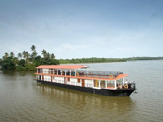 FLOW by The Amber Collection - Luxury Houseboats in Sri Lanka