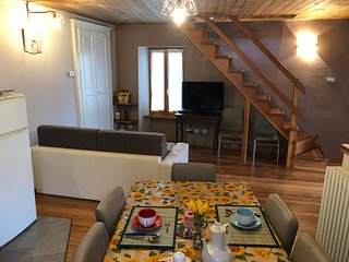 Andrea house on 3 floors 5 minutes driving from Mergozzo