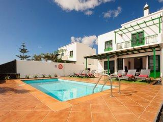 Villa Nohara 20 Deluxe, Piscina Privada, Sol y Wifi