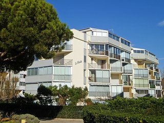 1 bedroom Apartment in Port Camargue, Occitania, France : ref 5513830