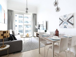 Modern and Stylish 1BR in Business Bay