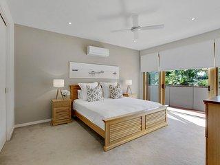 Holiday Shacks - Blairgowrie Domaine - Luxury Retreat, games room, WiFi, firepla