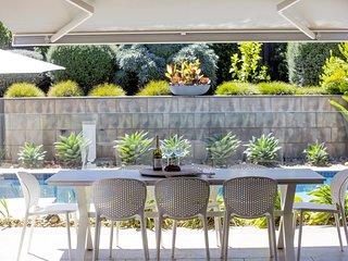 Holiday Shacks - Maison de la Mer - Luxury Retreat with Pool, Cabana, WiFi, Foxt