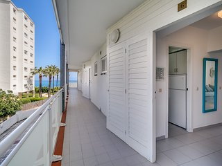 Beautiful flat in Costa Brava beach !!!